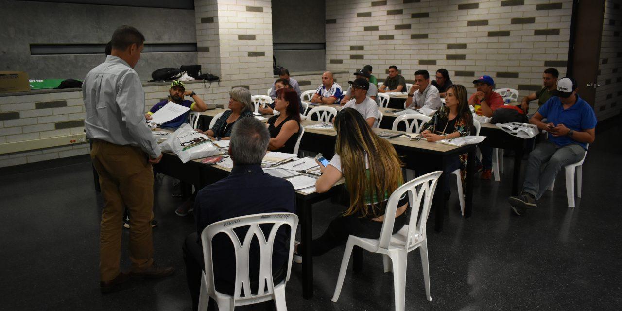 Con éxito se desarrolló la reunión informativa con los clubes del Área Metropoliana